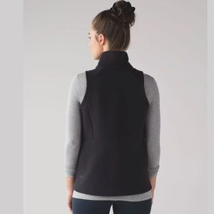 Lululemon Women's Size 6 Black Going Places Vest